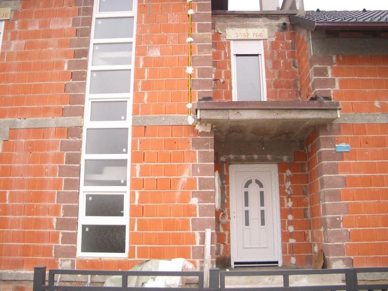 Pročelje kuće ulazna vrata